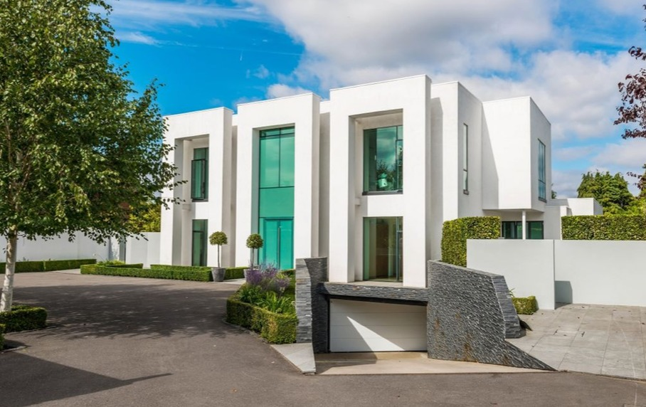 Flamboyant Art Deco with this property