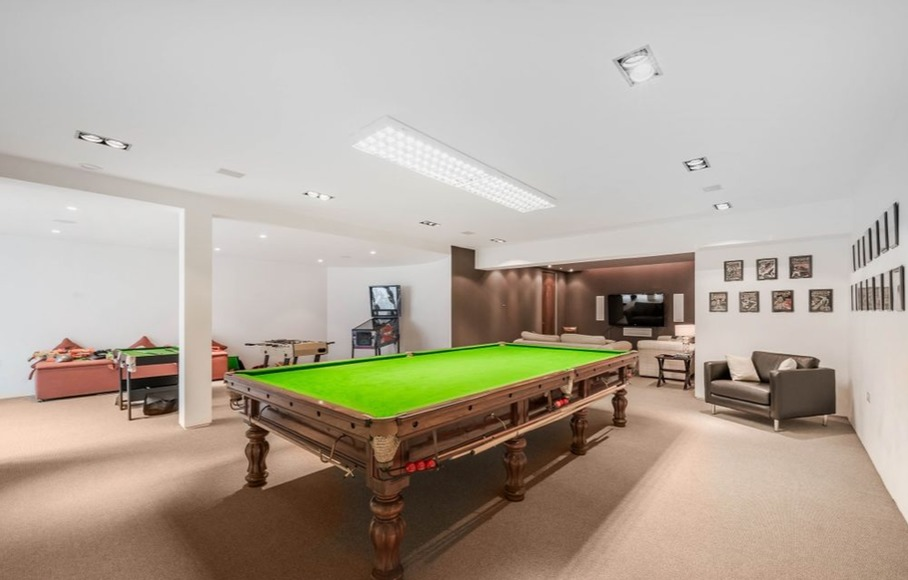 How to create your own home bar/entertainment area in your home